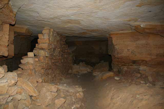 Одесские катакомбы - сеть подземных ходов и лабиринтов под Одессой.