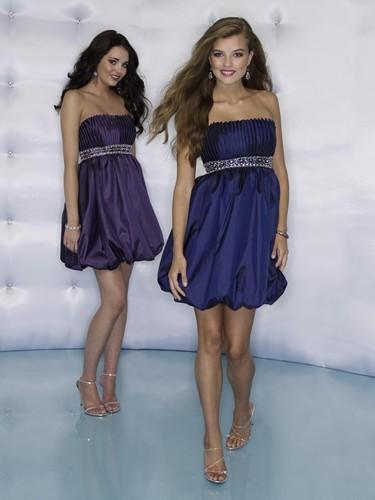 розовое платье для выпускного бала короткое.