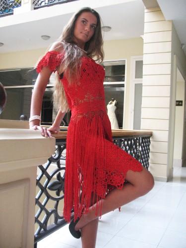 Очень красивые платья без описания, нашла на просторах интернета.