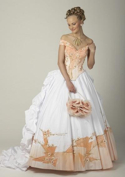 Мы рекомендуем Вам.  Необычные свадебные платья (70 фото).