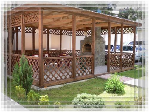 К хозяйственным постройкам на участке можно отнести такие постройки, как...