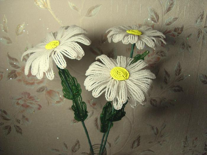 Экзотические цветы из бисера мастер класс с фото #9