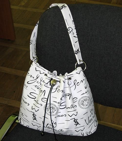 Шьем сумки сами.  Выкройки различных сумок с подробным описание работы.