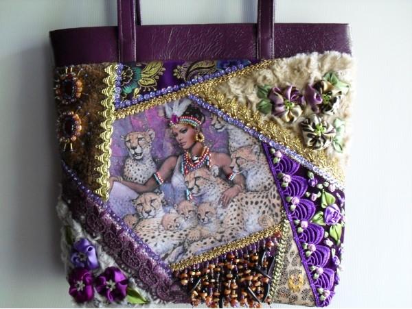 Очень красивые сумки Татьяны Шестаковой,выполненные технике крейзи квилт.