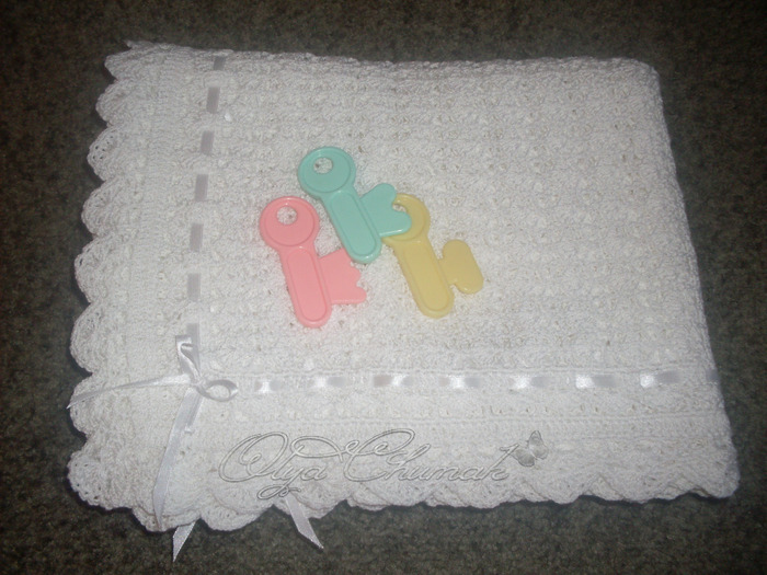 вязание крючком вязанное одеяло на выписку вязанное
