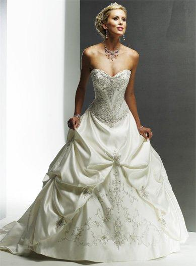 ...вариантов самых пышных свадебных платьев, которые можно посмотреть...