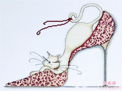 смотрите еще вышивка гламурные кошки. вышивка золотое руно единорог.