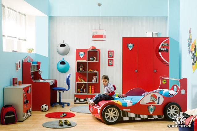 Необычная мебель в автомобильном стиле.