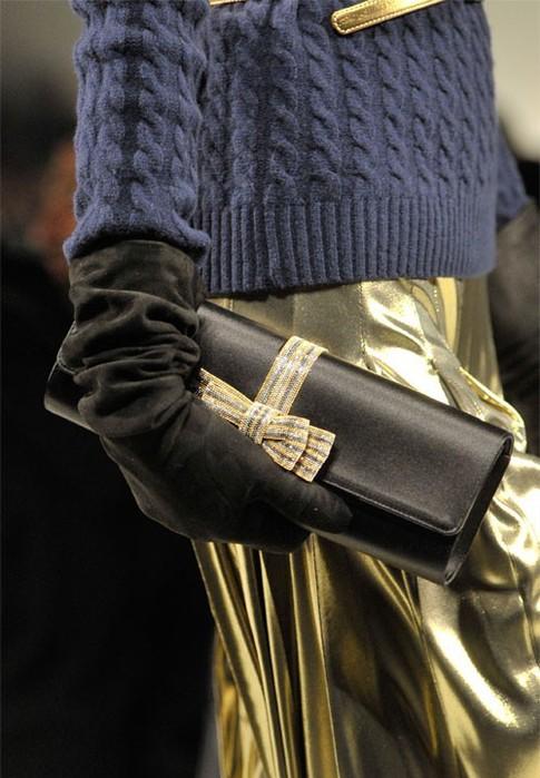 В тренде меховые сумки - я с трепетом к ним отношусь и планирую...