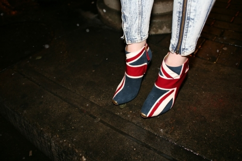 Предметы, аксессуары, дизайн, одежда с британским флагом (38 фото)