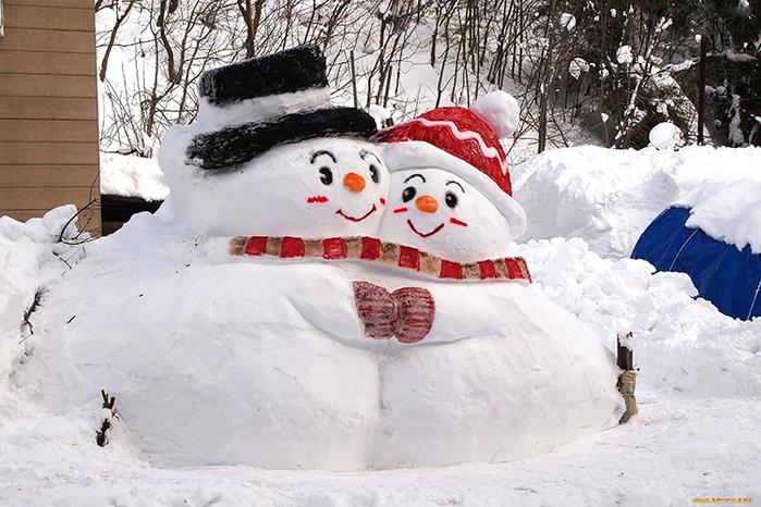 Дети и снеговик(700x466, 607Kb)