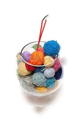 3307717-ball-for-knitting-in-glass (266x400, 38Kb)