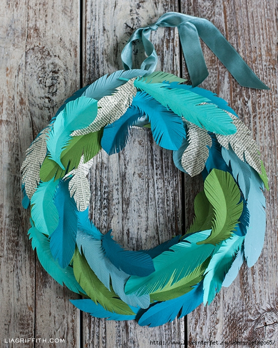 PaperFeatherWreath (560x700, 427Kb)