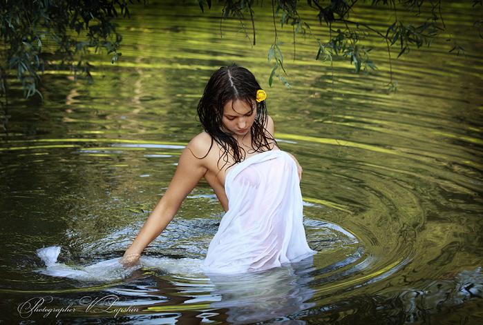 девушки сексуально купаются что даже своем