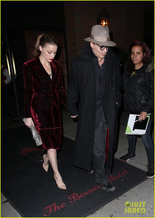 johnny-depp-takes-fiancee-amber-heard-out-for-brithday-dinner-03 (498x700, 68Kb)