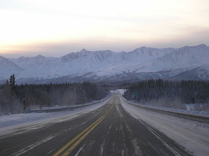 05f -Driving_the_Alaska_Highway (700x524, 259Kb)
