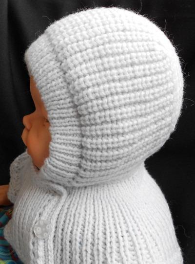 теплая детская шапочка совмещенная с манишкой спицами мир петель