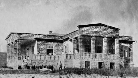 Дом Д. Жуковского и А. Герцык. Судак. 1915 г. -1915-г (478x271, 80Kb)