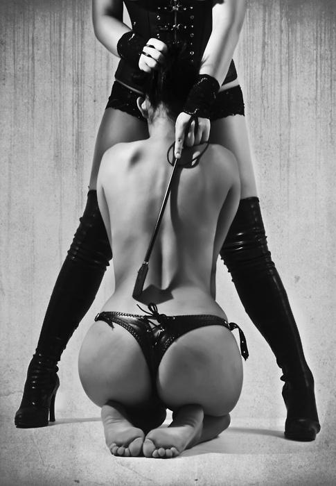 рычать, подчинение молодой девушки госпоже позволили