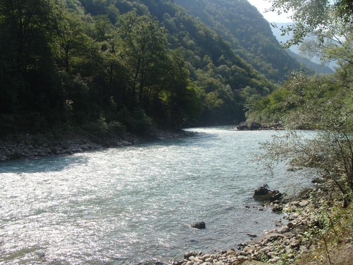 Рыбалка в абхазии на реке бзыбь