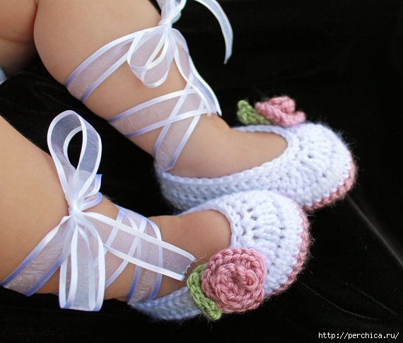 4979645_HowtoCrochetBabyBooties (570x485, 135Kb)