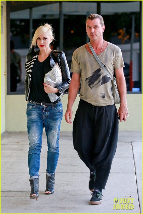 gwen-stefani-steps-out-with-gavin-rossdale-before-45th-birthday-02 (467x700, 83Kb)