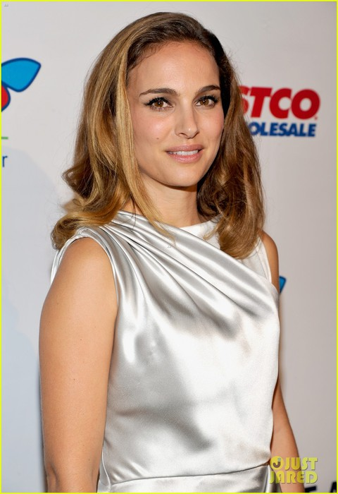 natalie-portman-hubby-benjamin-millepied-step-out-to-support-10 (480x700, 69Kb)
