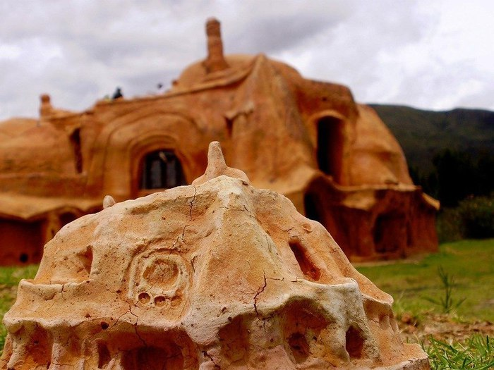 картинки домов из глины автовокзалы