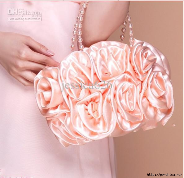 4979645_2013_Hot_Sale_Cheap_Satin_Bridal_Hand_Bags_Hand_Made_Flower_Beading_Wedding_Party_Hand_Bags_1 (594x573, 126Kb)