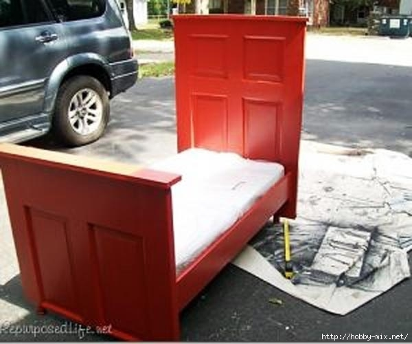 Ingenious-and-Cool-Ideas-of-How-To-Reurpose-Old-Doors-32 (600x500, 123Kb)