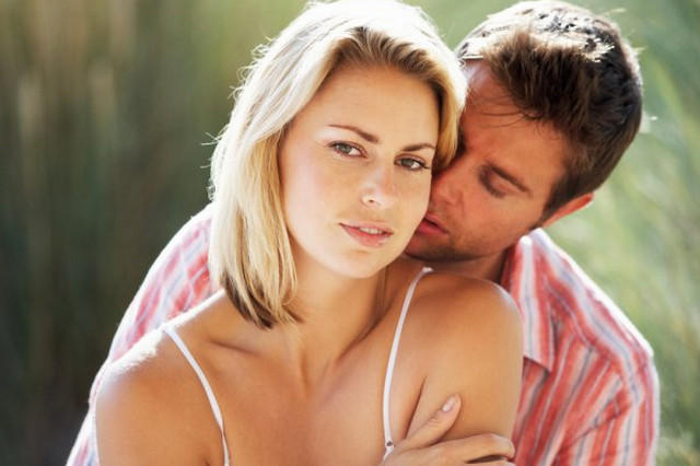 Невербально склонить к сексу женщину