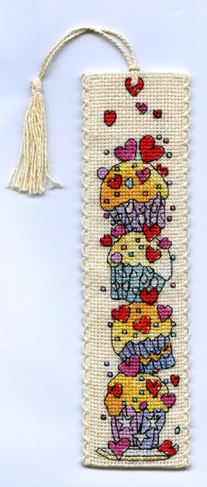 Вышивка закладка для книг следы