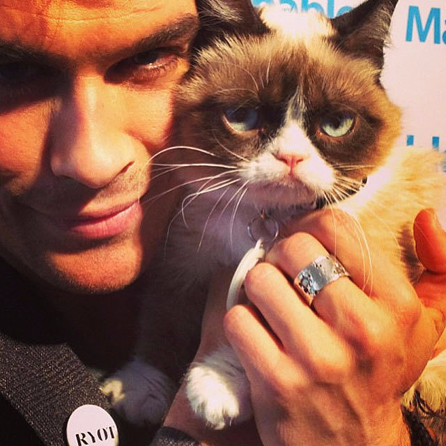 Ian-Somerhalder-held-up-his-new-love (640x640, 321Kb)