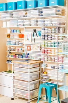 ideas-to-organize-your-craft-room-in-the-best-way-29-554x831 (233x350, 110Kb)