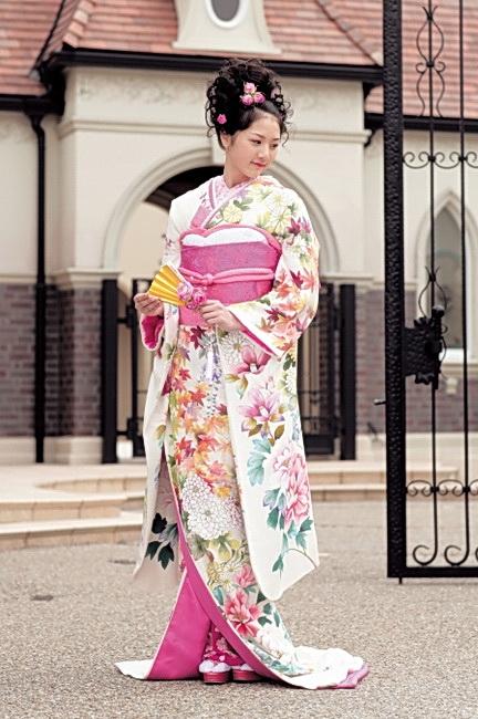 Японки в кимоно