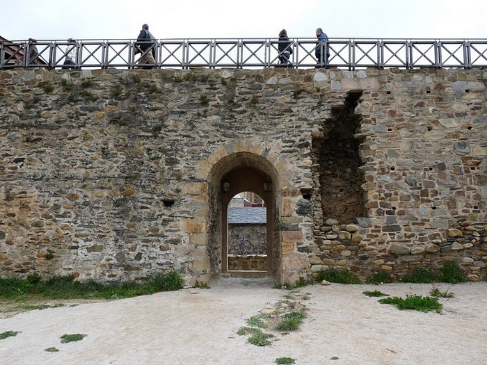 Понферрада (Castillo de Ponferrada) - Замок тамплиеров 95682