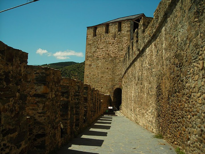 Понферрада (Castillo de Ponferrada) - Замок тамплиеров 76879