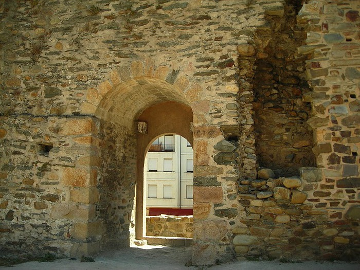 Понферрада (Castillo de Ponferrada) - Замок тамплиеров 17961
