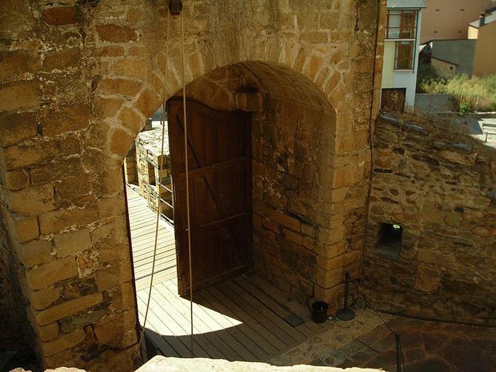 Понферрада (Castillo de Ponferrada) - Замок тамплиеров 40505