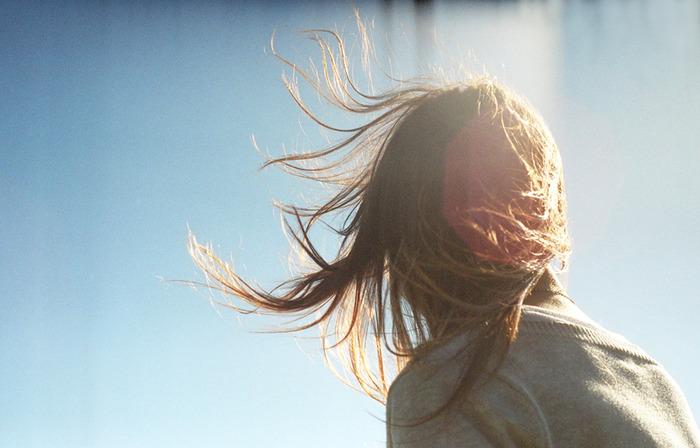 Шатенка сзади фото, чернокожей красавицей дьямонд