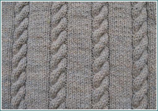 Вязание декоративной косички спицами.