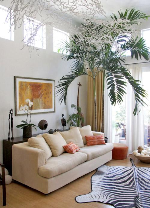 Квартира в африканском стиле комната отдыха.