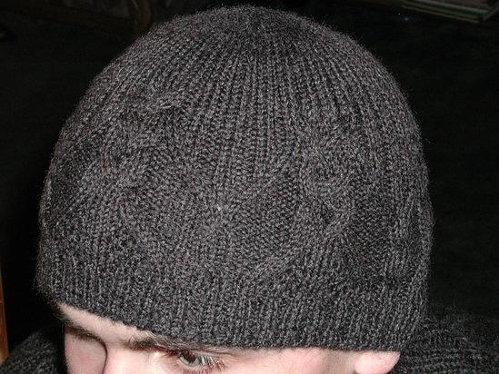 вязание мужских шапок спицами со схемами.