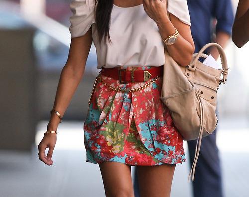 """...кожу """" всегда будут модными и. Модные сумки весна-лето 2012.  Тенденции."""