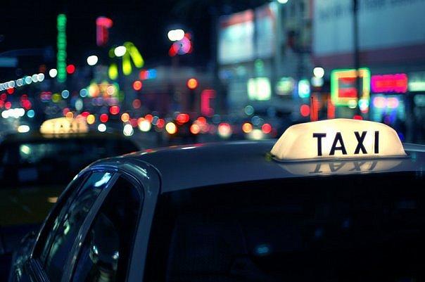 На все вопросы, связанные с толкованием снов, может ответить только сонник, такси в сновидениях — не исключение.