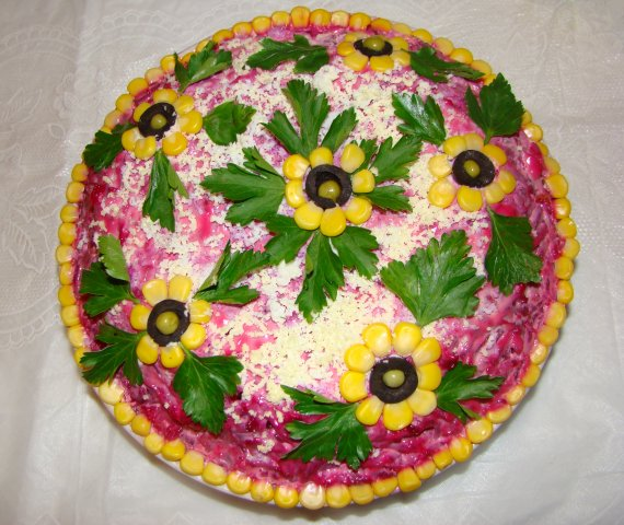 салат из печени рецепт: салат ветчина сыр помидоры.
