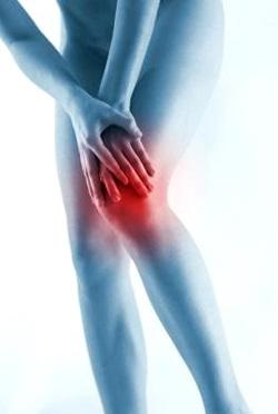 Очень часто боли в ногах связаны с заболеваниями суставов.