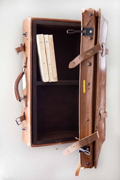 Изображения. необычная полочка из чемодана.