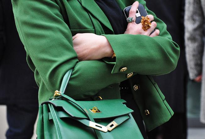 Так, в семидесятые годы коллекция сумочек от Hermes O-bag носила...