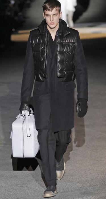 Неделя Моды в Париже: Louis Vuitton и Comme des Garçons.
